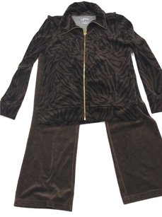 Style & Co Size Small Petite Style & Co Sport Brown and Black Jacket and Pants, Cotton/Polyester, 34 inch bust 22 inch length for jacket 28 inch waist 37 inch length for pants