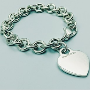 d2aa90180 Tiffany & Co. Engravable plain hear charm bracelet sterling silver