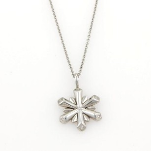 Tiffany & Co. Tiffany Co. Diamonds 18k White Gold Snow Flake Pendant Necklace