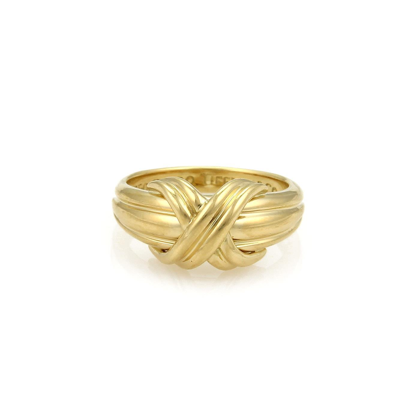 x crossover grooved ring in 18k yellow gold