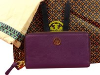 Tory Burch NWT TORY BURCH ROBINSON VIOLET PEBBLED LTH REVA DOUBLE ZIP CONTINENTAL WALLET