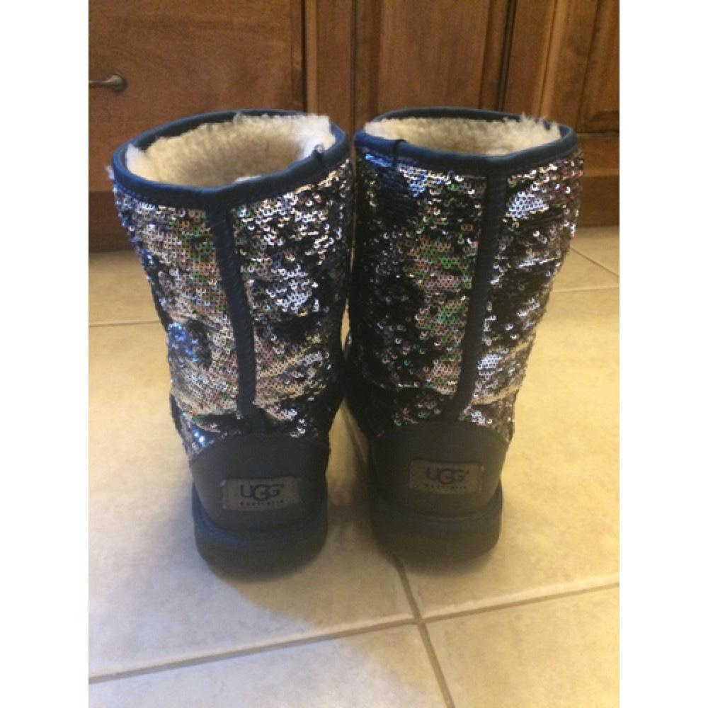 UGG Australia Navy Blue Sparkles Boots/Booties