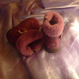 UGG Australia Victorian pink Boots