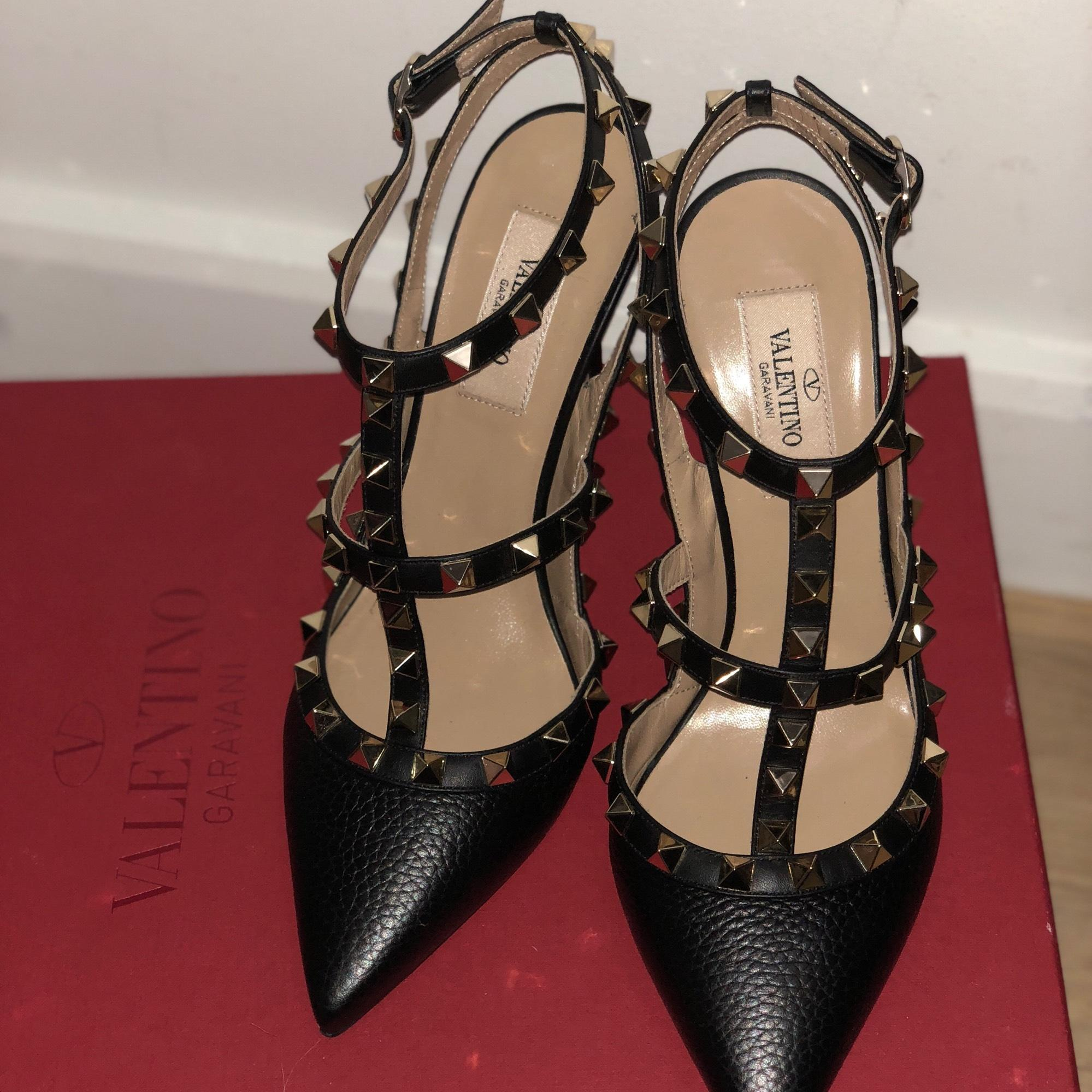 8a0e03c22f3b6 US 7 Valentino Black Garavani Rockstud Leather Pumps Size Size Size EU 37  (Approx. US 7