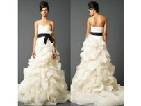 Vera Wang Ghillian Wedding Dress