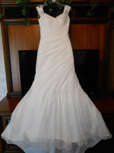 Brand New Victoria Jane Iolanda 17605 Wedding Dress