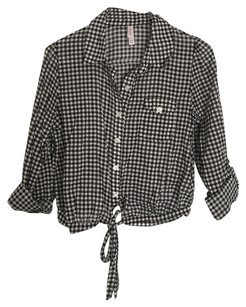 Xhilaration Button Down Shirt Black & White