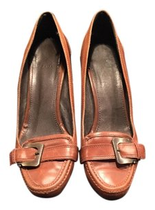 Zara Brown/tan Pumps